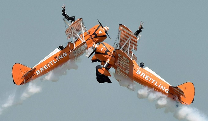 uks-aerosuperbatics-team-breitling-wingwalkers-performs-during-3rd-day-of-aero-india-2015_142442710930[1]